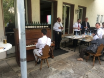 Bbr. Valentin Schmidt spielt sehr gerne Klavier